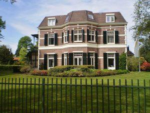 800px-Baarn_Van_der_Veenlaan16-w800-h600